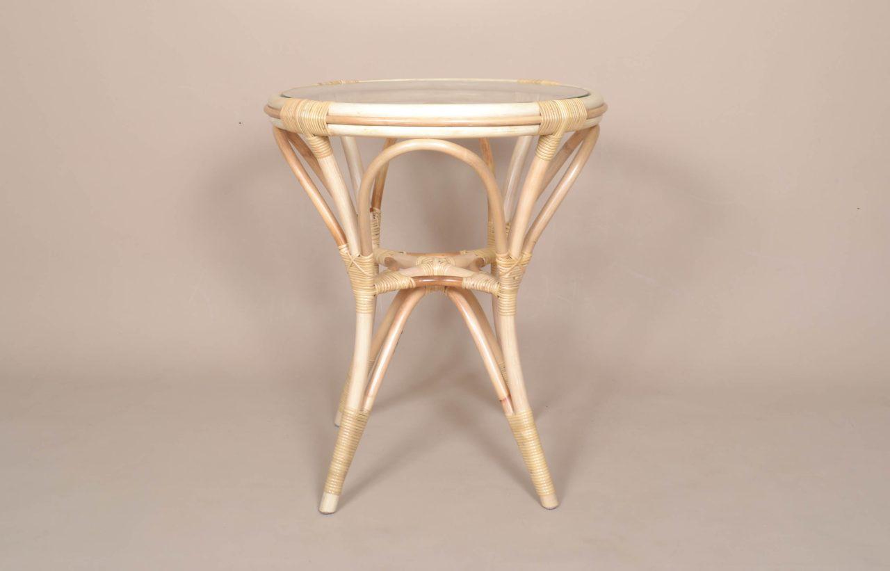 シンプルで美しい国産ラタンテーブル