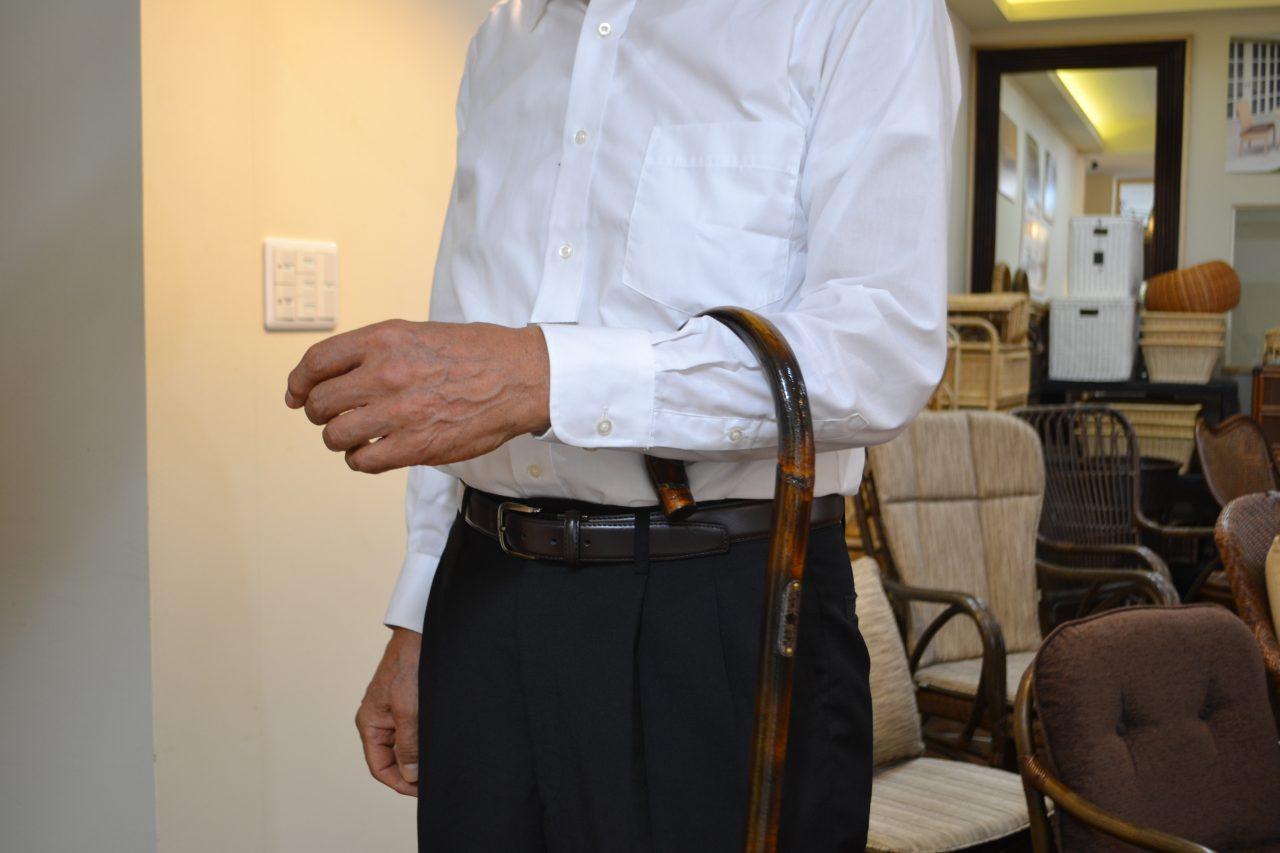 紳士の嗜み籐の杖