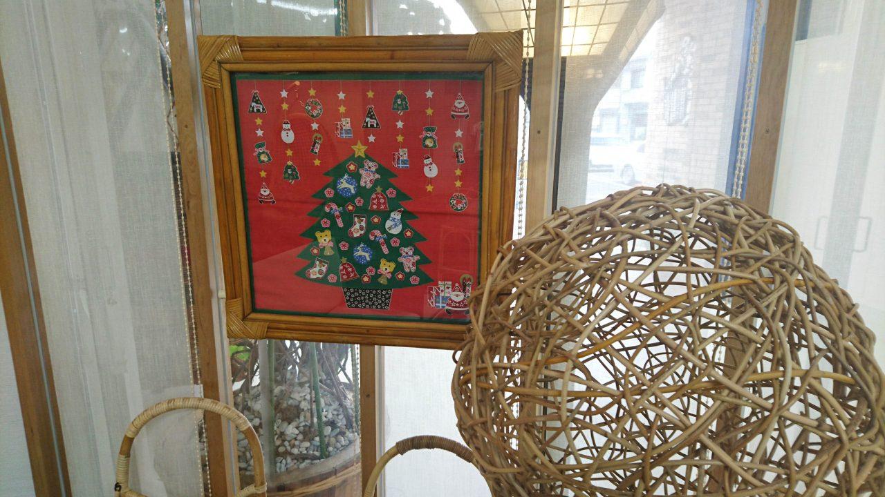 ショールーム内にあるいつもの飾りもクリスマス仕様に