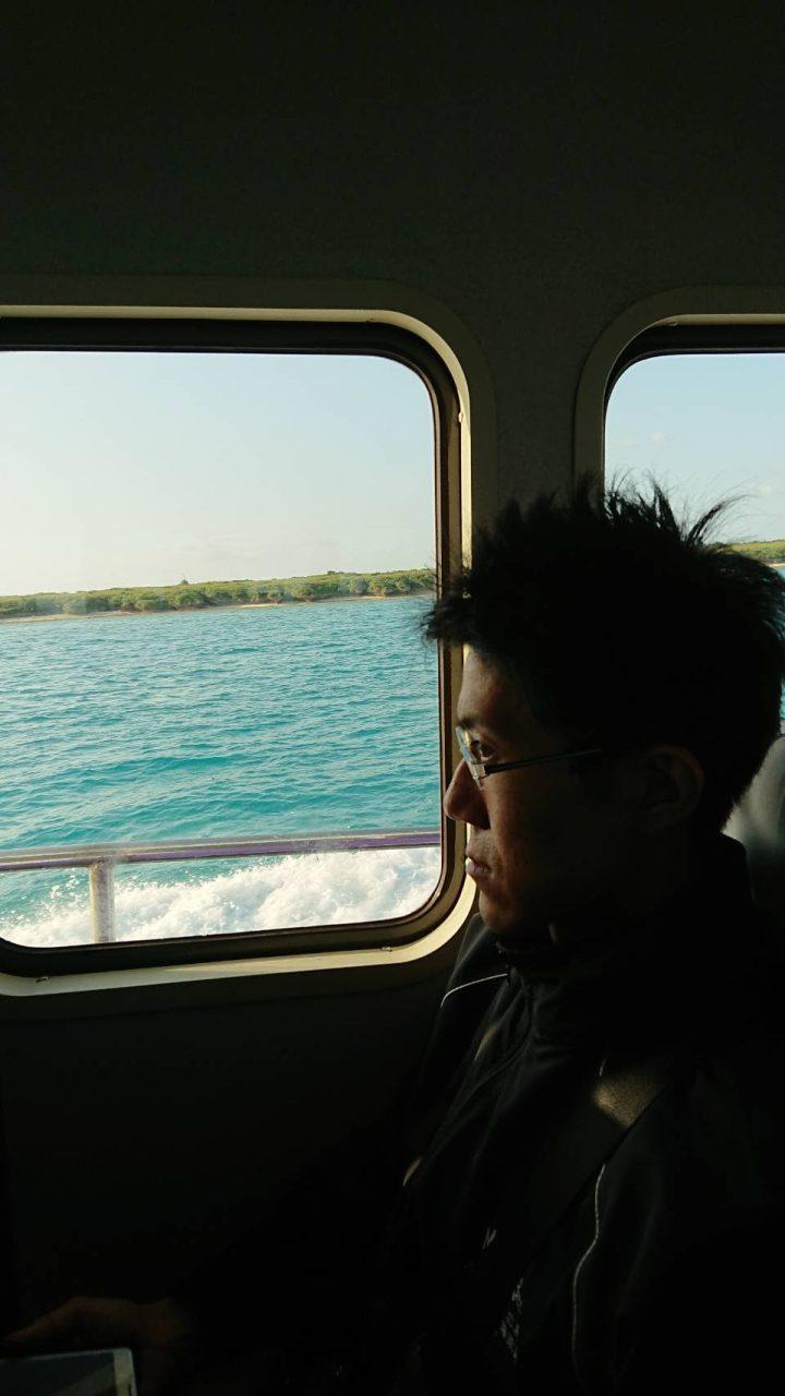 小浜島へはフェリーで渡ります。