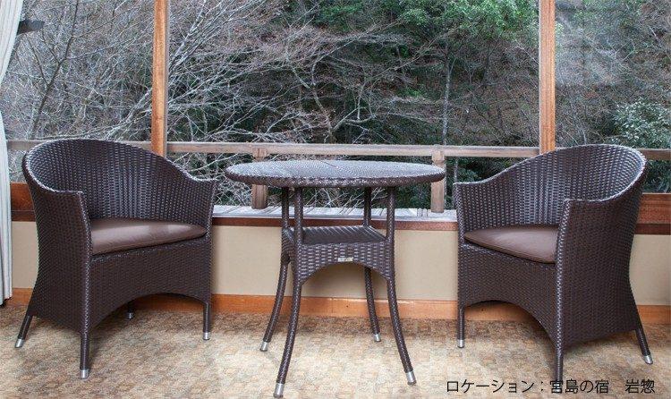 日本家屋にもしっとりと佇む人工ラタン家具