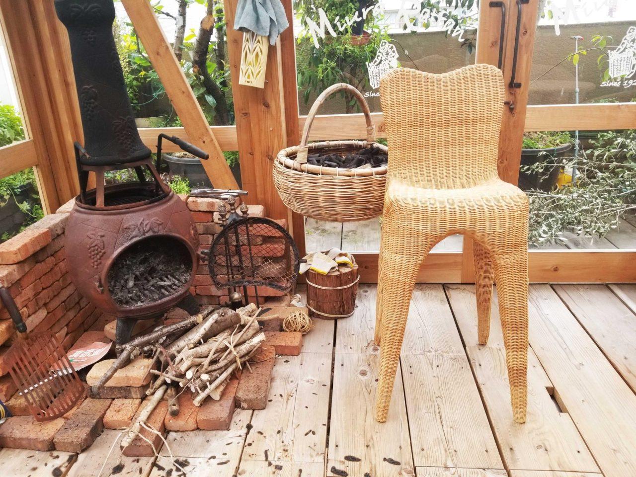 あらゆる場所に溶け込む籐椅子
