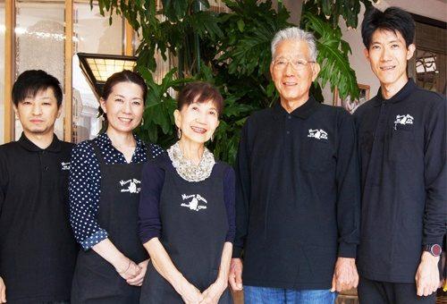 広島の籐家具職人が全国へお届けします。