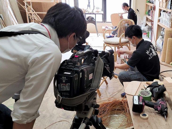ちゅピCOM11ch「川島宏治のTHEひろしま・プラス1」みうらラタン職人作業取材風景